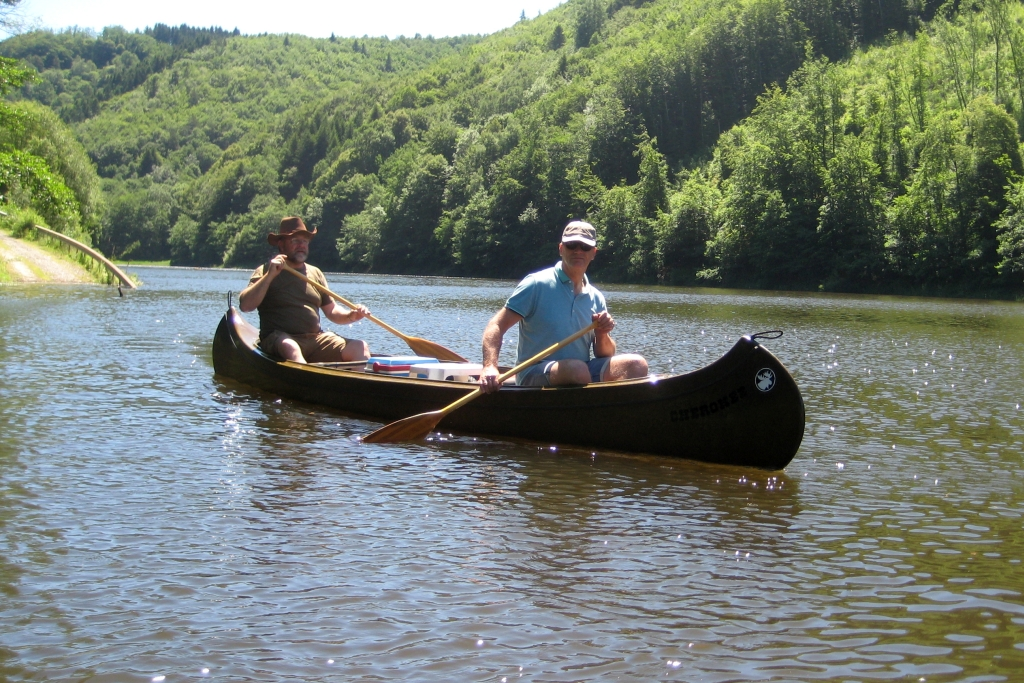 Dordogne-kanoën in de zomer
